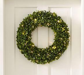 Indoor/Outdoor Lit Boxwood Wreath