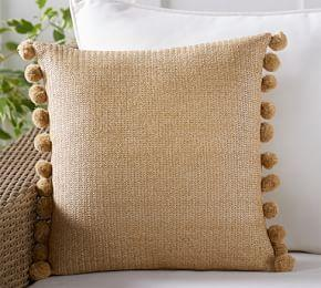 Indoor/Outdoor Pom Pom Faux Natural Fiber Pillow