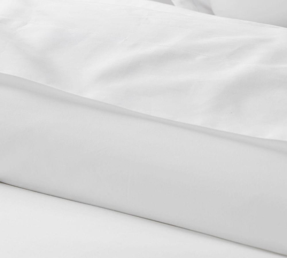 700-Thread-Count Sateen Duvet Cover & Shams