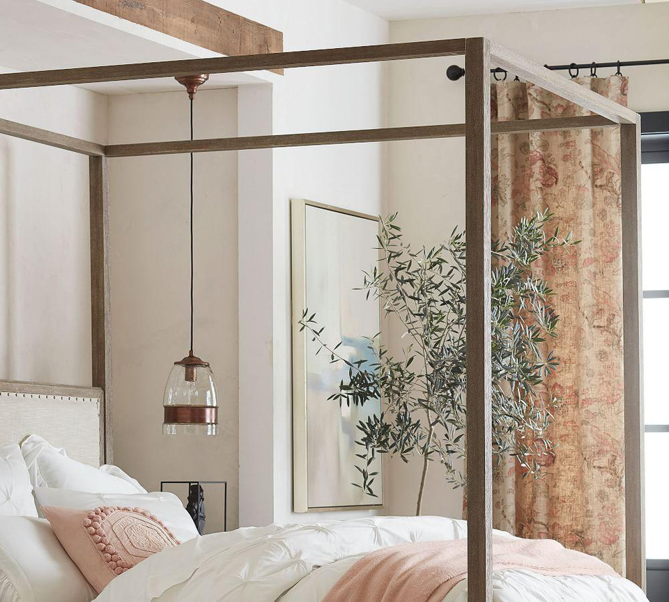 Toulouse Canopy Bed