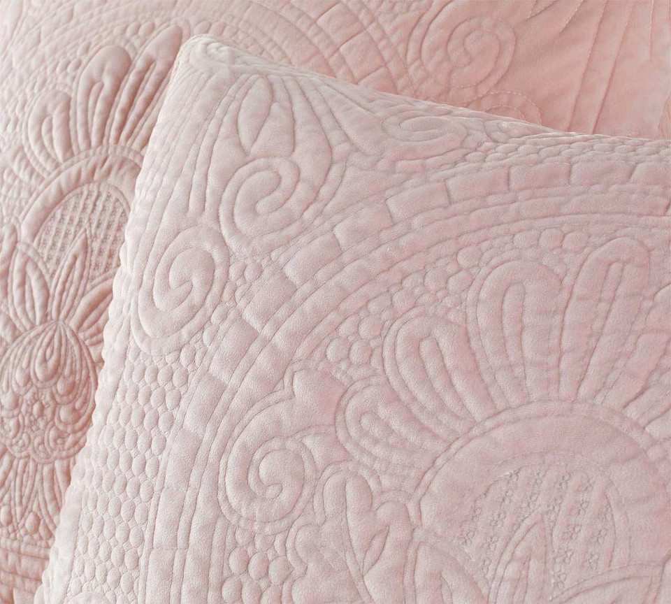 Velvet Medallion Quilt Amp Shams Soft Rose Pottery Barn